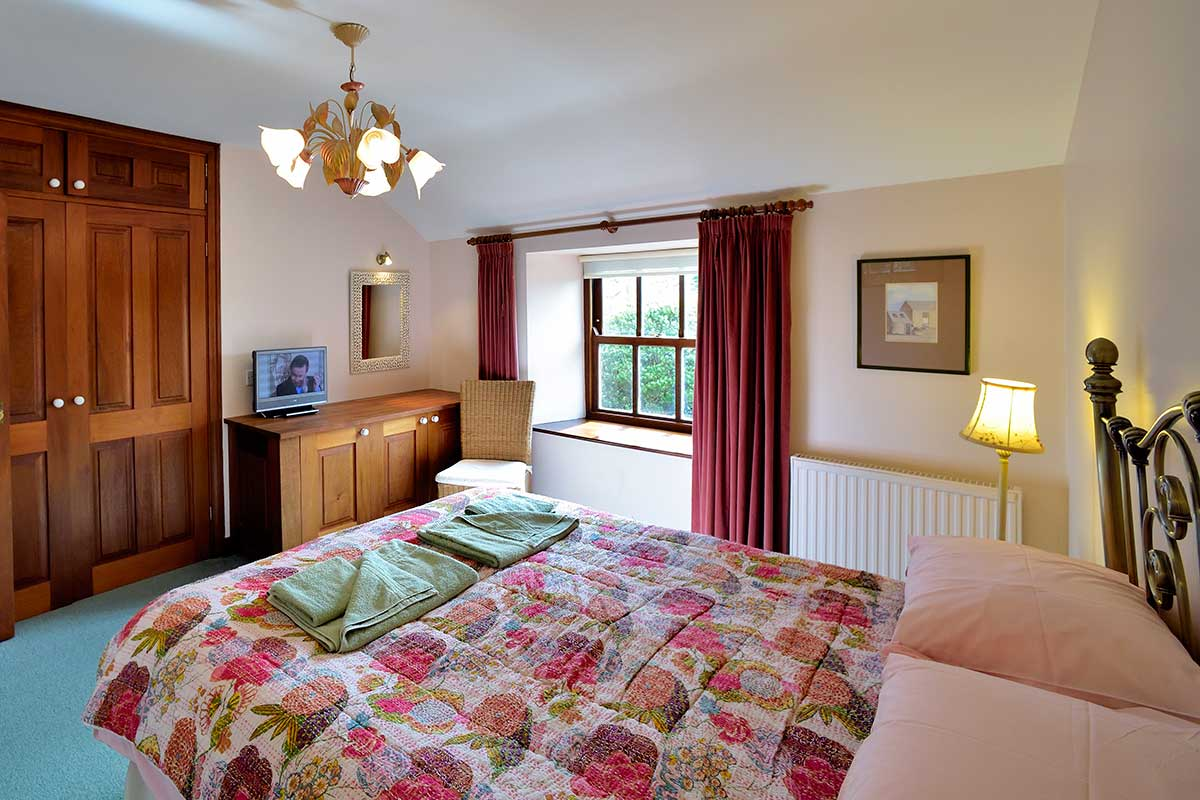 an image of tremerth double bedroom